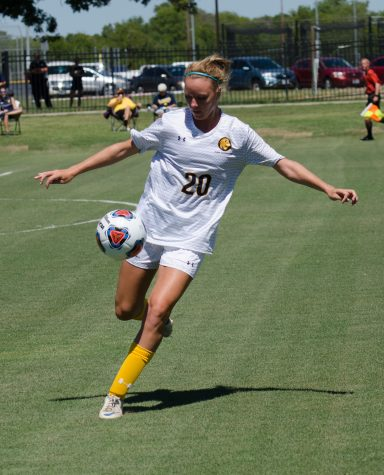 Soccer Seeks to Top Mustangs