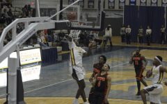 Men's basketball rebounds with big wins
