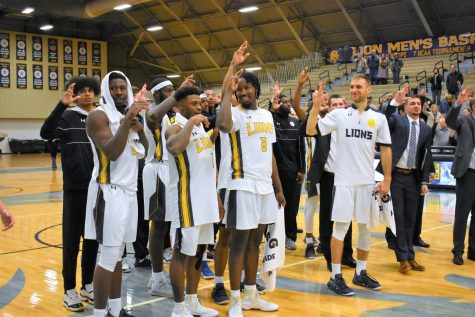Men's Basketball Continues Hot Start to Season