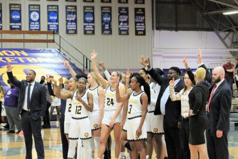 Women's Basketball: Preview vs. St. Mary's