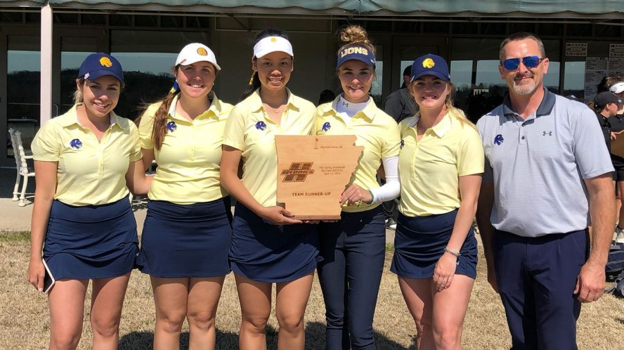 The womens squad with their runner-up trophy at Henderson State | Lion Athletics