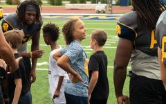 Lions Host Youth Football Clinic [Photo Gallery]
