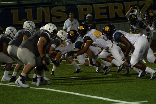 The+Lion+D-Line+battles+in+the+trenches+%7C+Bri+Jolley