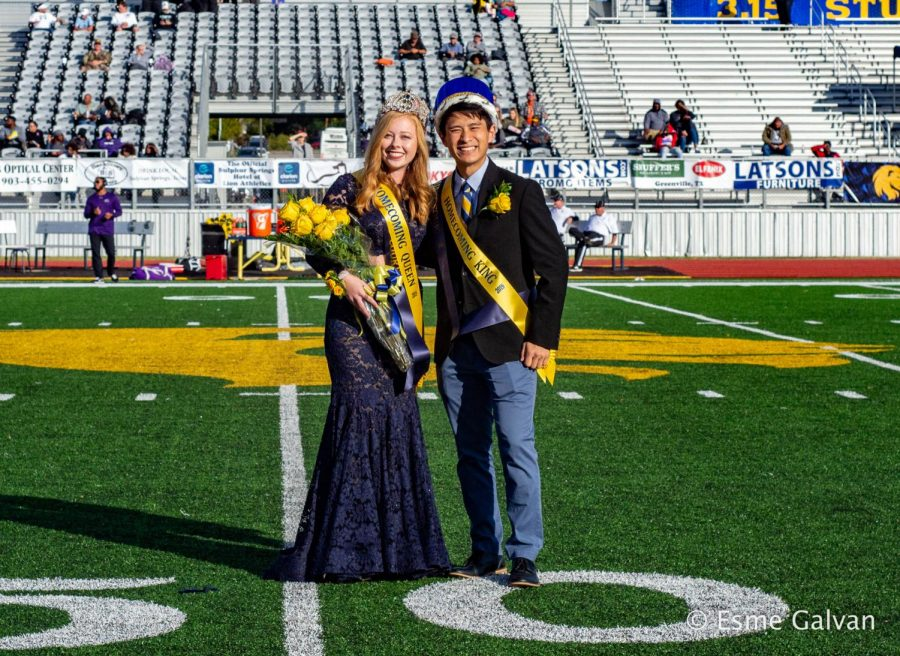 Homecoming Queen Megan Hendricks and Homecoming King Steve Lim pose for the camera | Esme Galvan