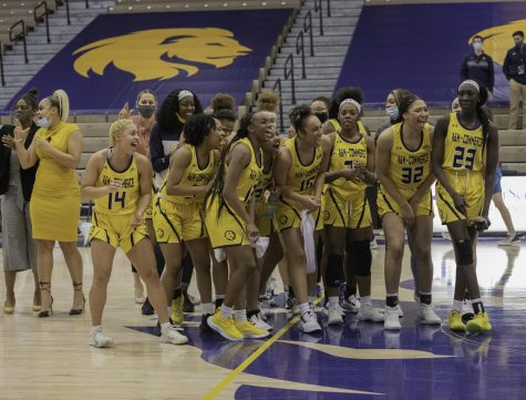 Women's basketball team sets record in 110-81 win [Photo Gallery]