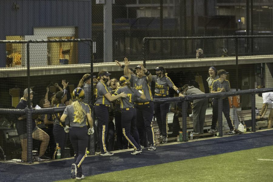 The Lions welcome Uxua Modrego back to the dugout after her home run